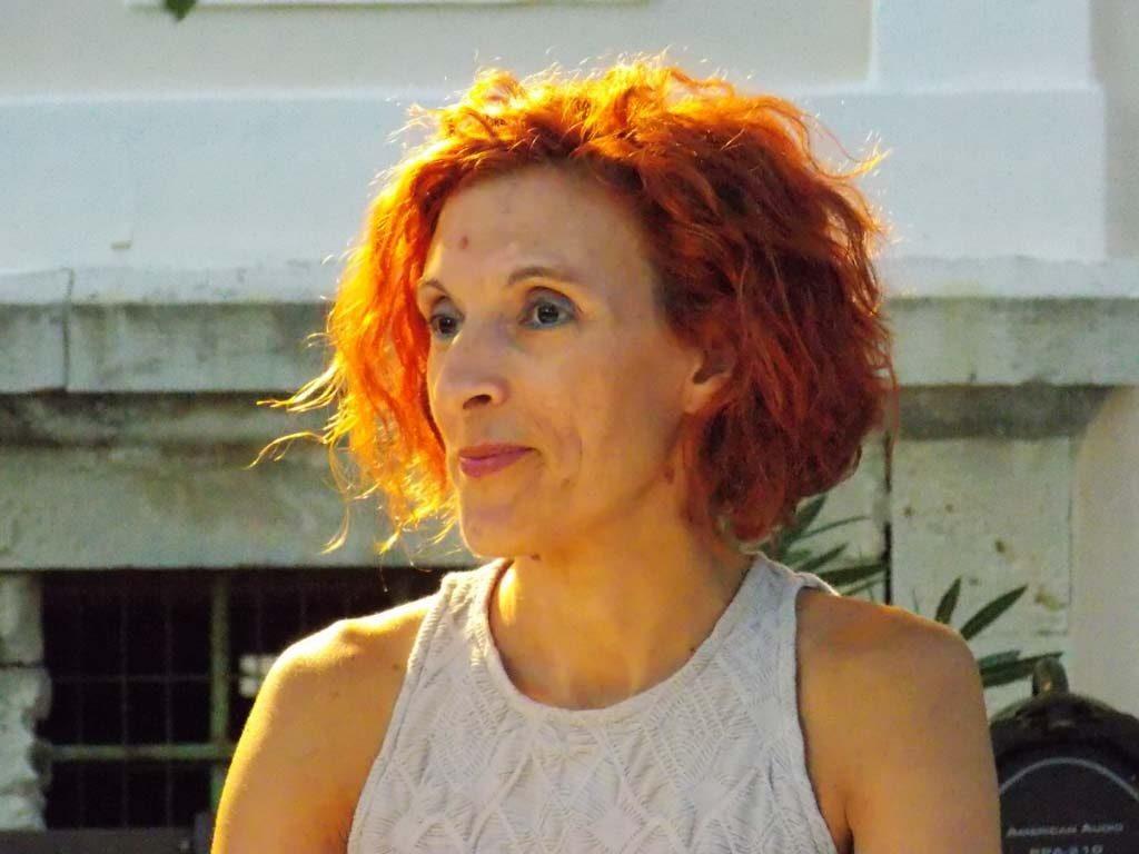 Η κ. Χρυσούλα Σκλαβενίτη, υπεύθυνη ύλης του lexikolefkadas.gr